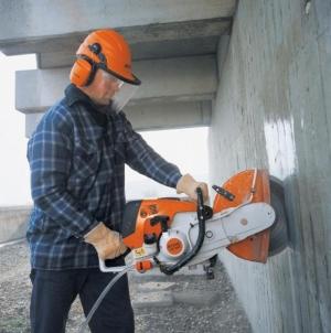 demontazh-kirpichnyh-i-betonnyh-sten